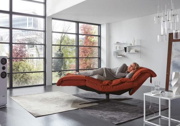 Cassiopeia Chaiselong lænestole og løftestol fra World of Comfort til stuen