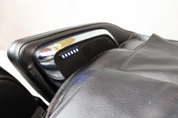Mars Plus Massage Chair speakers and voice control